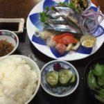 神宮丸太町の十両でさんま刺定食を食べる
