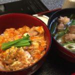 神宮丸太町から徒歩数分「京のつくね家」で親子丼を食す。